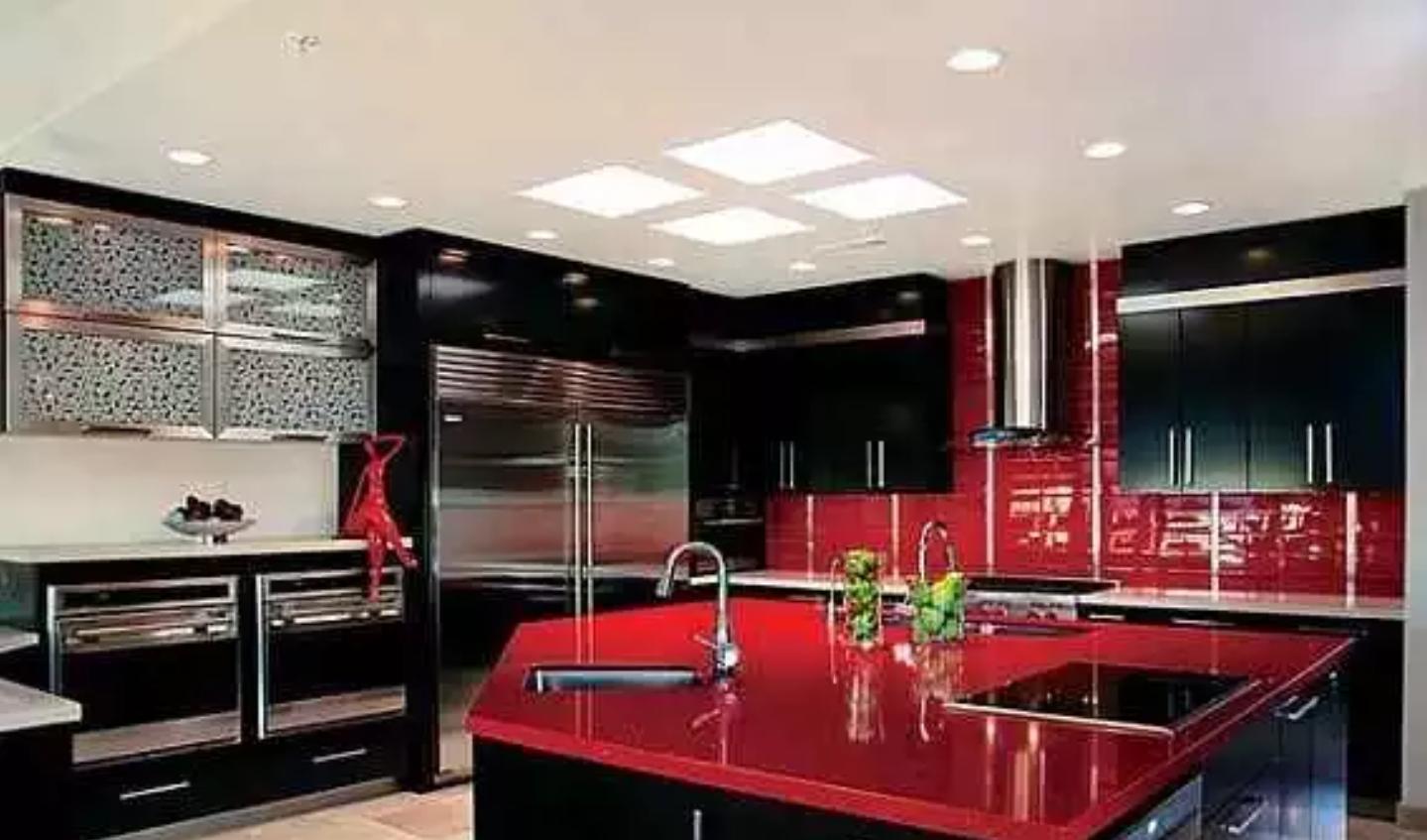 شیشه رنگی دکوراتیو آشپزخانه قرمز