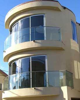شیشه خم رنگی ساختمان