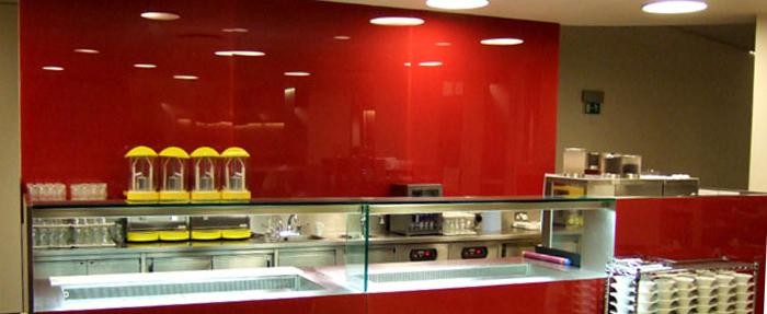 شیشه رنگی فروشگاهی قرمز