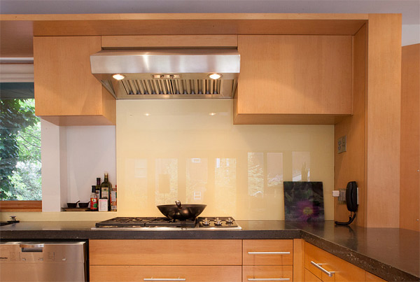 کابینت تمام شیشه ای آشپزخانه بین کاینتی