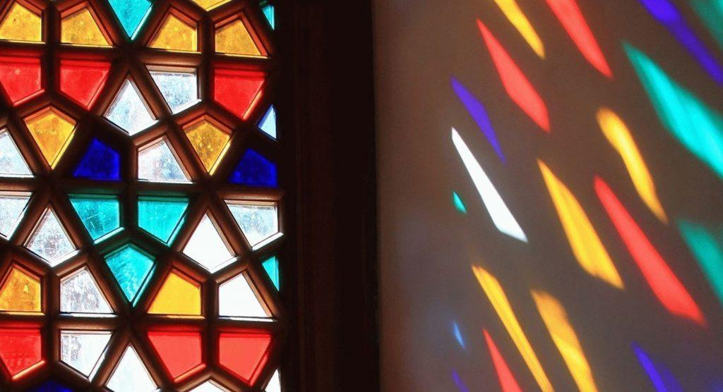 تاریخچه شیشه های رنگی | بیتا جام